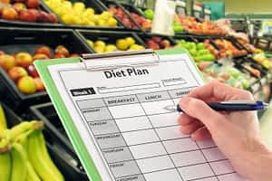 Shopping with a diet plan in mind is a strategy to ward off hypoglycemia
