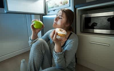 'Mindful Eating' Hypnosis Can Help Your Weight Loss a Ton!