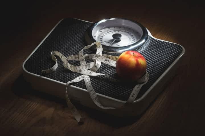 scale tape measure apple